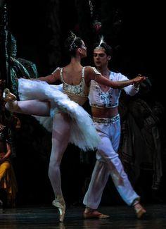 "yoiness:  © Philippe Jordan  Anastasia Matvienko and Vladimir Shklyarov, ""La Bayadere"", Mariinsky Ballet"