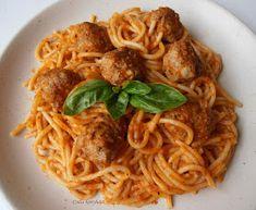 Csilla konyhája, mert enni jó!: Paradicsomos spagetti húsgombóccal Pizza Recipes, Spaghetti, Food Porn, Food And Drink, Ethnic Recipes, Lasagna, Noodle, Pizza Dip Recipes, Treats