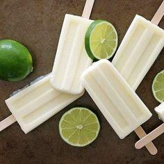 Nesse calor, nada melhor do que um picolé! Os de fruta são uma opção saudável para matar aquela vontade louca por um doce. E se forem caseiros, então, melhor ainda: sem açúcar ou conservantes químicos