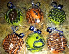 Football themed dipped Oreos