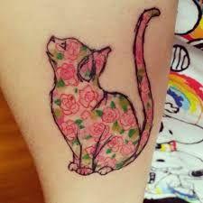 floral cat tattoo -Done by Jamie at Hepcat Tattoos, Glasgow, Scotland. Tatoo Henna, Get A Tattoo, Small Tattoo, Neue Tattoos, Body Art Tattoos, Cat Tattoos, Pretty Tattoos, Beautiful Tattoos, Ink Art