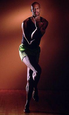 http://i.cdn.turner.com/si/multimedia/photo_gallery/1204/nba-classic-kareem-abdul-jabbar/images/1990.10571.jpg
