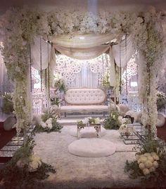 . Wedding Backdrop Design, Wedding Reception Backdrop, Wedding Stage Decorations, Arab Wedding, Wedding Set Up, Floral Wedding, Luxury Wedding Decor, Glamorous Wedding, Wedding Photo Walls