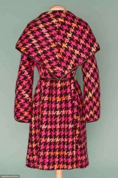 North America's auction house for Couture & Vintage Fashion. Augusta Auctions accepts consignments of historic clothing and textiles from museums, estates and individuals. Vintage Dress Patterns, Vintage Dresses, Vintage Outfits, 1960s Dresses, 1960s Fashion, Pink Fashion, Vintage Fashion, Clothing And Textile, Clothing Patterns