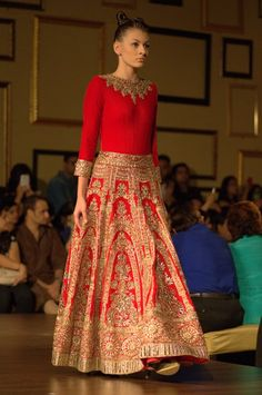 Manish Malhotra Indian Couture Week 2014 - Bridal #wedmegood