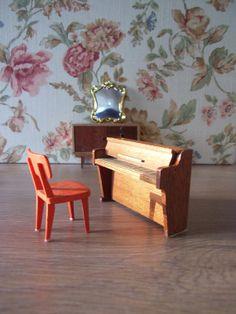 Piano años 60 miniatura // Piano de pared para por tiendanordica, $21.00