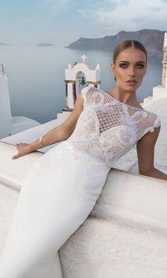 Vestidos para novias sexys y atrevidas. Transparencias, escotes, hombros descubiertos... ¡diseños increíbles!