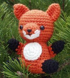 Fox amigurumi pattern. I want this for a friend.