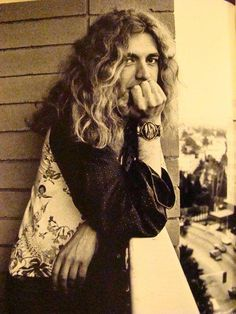 Young Robert Plant | Added: September 5, 2012 | Image size: 453x604px | Source: facebook ...
