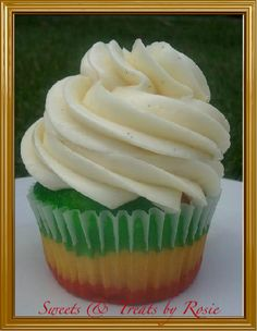 Reggae Cupcakes - Sweets & Treats by Rosie. Try this for lexie's bday cupcakes
