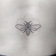bumble bee , black and white | 1000+ ideas about Bee Tattoo on Pinterest | Bumble bee tattoo, Tattoos ...