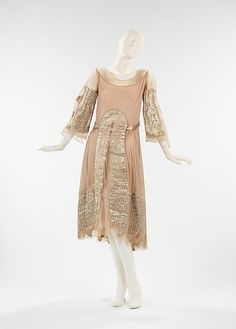 evening dress, by House of Lanvin, fall/winter 1925-26. Brooklyn Museum Costume Collection at The Metropolitan Museum of Art, 2009.300.2887a, b