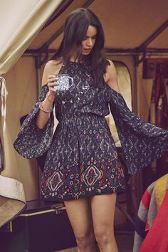 A&F Summer Getaway // Great Outdoors // Boho beauty. Printed cold shoulder dress
