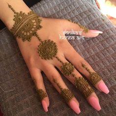 Wedding mehndi bangle with circle and rings