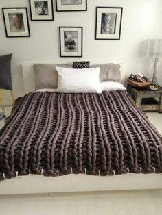 Te mostramos como hacer colchas para cama decorativas y esponjosas con la tendencia maxi o XXL, para que el lugar se vea moderno y se sienta confortable