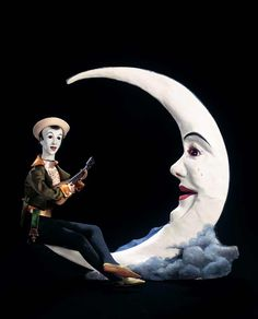 """When the Circus came to Town: 119 French Automaton """"Pierrot Serenading the Moon"""" by Gustav Vichy"""