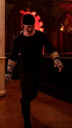 The black suit is such a look Marvel Avengers Games, Mcu Marvel, Marvel Heroes, Marvel Characters, Marvel Cinematic, Marvel Comics, Daredevil Suit, Daredevil Costume, Daredevil Punisher