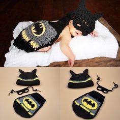 Baby Girl Crochet, Crochet Baby Clothes, Crochet For Boys, Newborn Crochet, Crochet Batman, Crochet Baby Costumes, Crochet Outfits, Crochet Cape, Hat Crochet