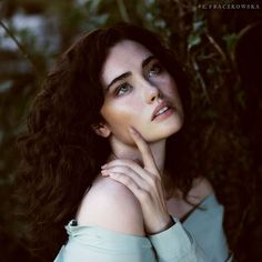 Ela Fraczkowska 'Thoughts Arrive Like Butterflies': Nikola Girls Characters, Female Characters, Pretty People, Beautiful People, Female Character Inspiration, Interesting Faces, Aesthetic Girl, Woman Face, Aesthetic Pictures