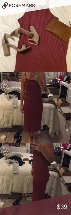 Kensie size S wine robbed knit midi dress  🍷 Kensie size S wine ribbed knit midi dress. Could fit S/M NWOT. Length: 36.5 non smoking! Kensie Dresses Midi