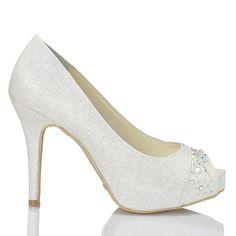 Zapato de novia con pedrería de Menbur (ref. 6096) Bridal shoes by Menbur (ref. 6096)