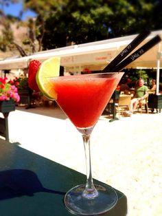 Refréscate este verano con nuestra exquisita #coctelería en la terraza de #ElPimpi