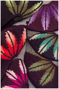 Sledochki with leaves. Talk to LiveInternet - Russian Service Online Diaries Knitted Slippers, Slipper Socks, Knitting Socks, Hand Knitting, Lace Knitting Patterns, Shoe Pattern, Slouchy Hat, Knitting Accessories, Sock Shoes