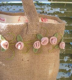 Burlap bag with pink felt rosebuds ....tutorial for rosebuds on site