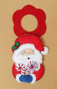 Adorno Para Chapa Puerta - Bordados Oma Christmas Themes, Christmas Holidays, Christmas Crafts, Christmas Decorations, Holiday Decor, Foam Crafts, Diy And Crafts, Felt Banner, Theme Noel