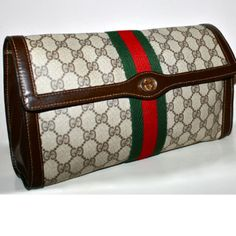 Vintage Gucci clutch, I have been  wanting this purse forever and now it's mine!!!
