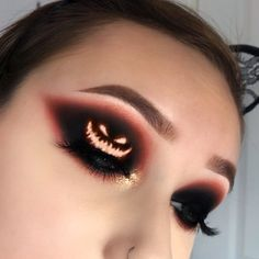 Crazy makeup looks awesome halloween costumes Trendy ideas Creative Eye Makeup, Eye Makeup Art, Eyeshadow Makeup, Glow Makeup, Insta Makeup, Halloween Eyeshadow, Cute Halloween Makeup, Halloween Ideas, Halloween Looks