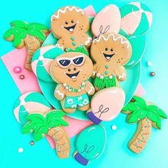 When and asked if I wanted to participate in a cookie theme, I jumped at the… Iced Cookies, Cut Out Cookies, Sugar Cookies, Christmas In July, Christmas Cookies, Cookie Crush, Cookie Designs, Gingerbread Man, Cookie Decorating