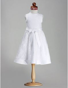 A-line Princess Scoop Knee-length Satin Flower Girl Dress http://ltpi.co.nf/?item=168531