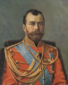 Rusland werd bestuurd door Tsaar Nicholaas II (1868-1918). Hij regeerde met harde hand en het parlement had weinig te vertellen. Hij zette de oorlog door tegen de wil van het volk in. Hierdoor ontstond de Februarirevolutie en werd de Tsaar van de troon verstoten door het volk.