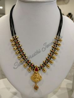 Beaded Jewelry Designs, Gold Jewellery Design, Bead Jewellery, Jewelry Patterns, Necklace Designs, Pendant Jewelry, Gold Chain Design, Black Thread, India Jewelry