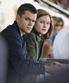 Matt Damon and Julia Stiles as Jason Bourne and Nicky Parsons in The Bourne Ultimatum. Julia Stiles, Matt Damon Jason Bourne, Home Entertainment, Good Movies, New Movies, The Bourne Ultimatum, Bourne Supremacy, Akira, Bourne Movies