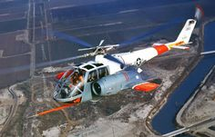 Lockheed helicopter, Test vehicle for rigid rotor tests. A single engine was mounted on port side. Two built. Military Helicopter, Military Aircraft, Boeing 727, Experimental Aircraft, Aircraft Design, Beautiful Lines, Jet Plane, War Machine, Fighter Jets