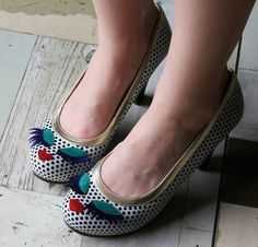 "Backwards And On High Heels: Wild Wednesday: ¡Tales Zapatos Hermosos! (or ""Such Beautiful Shoes!"")"