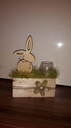 Holz Hase in grün  & Windlicht/Teelicht zu Ostern! von Etwas Schönes by Samoma! auf DaWanda.com