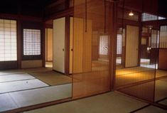 HAND OR MACHINE A Vanishing Tradition in Japan's Modern Architecture I Interesting essay about Japanese Architecture