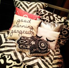 I want those pillows...