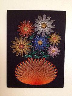 Vintage Daisy String Art on Black Felt por BrassPearVintage en Etsy String Art Diy, String Crafts, Arte Linear, Embroidery Cards, Sewing Cards, String Art Patterns, Thread Art, Pin Art, Mandala