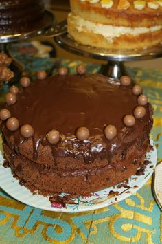 Chochttps://www.facebook.com/media/set/?set=a.212881578755539.50041.202696476440716&type=3      Chocolate Ganache.