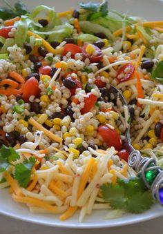 Black Bean & Barley Salad, I would replace the barley with quinoa Barley Salad, Soup And Salad, Vegetarian Recipes, Cooking Recipes, Healthy Recipes, How To Cook Barley, Cooking Barley, Fresco, Veg Dishes
