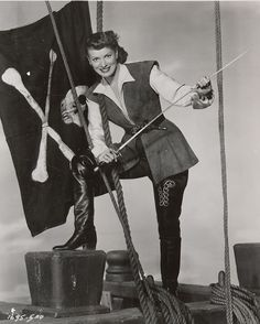 Maureen O'Hara wearing a costume designed by Edward Stevenson for the film 'Against All Flags' 1952 Golden Age Of Hollywood, Vintage Hollywood, Classic Hollywood, Sinbad The Sailor, Star Trek Posters, Pirate Movies, All Flags, Classic Video, Classic Films