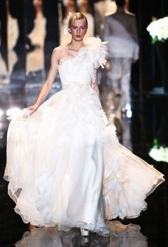 Fashion Apparel 2012: How the style of the wedding dress in 2012?
