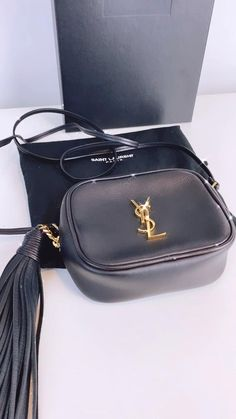 The YSL blogger bag is perfect for small everyday essentials such as your phone and camera. This blogger bag is made from black leather with gold hardware. Shop pre-loved and nearly new designer bags on Handbagholic.co.uk. Saint Laurent Handbags, Diamond Stores, Designer Bags, Luxury Bags, Ysl, Gold Hardware, Mini Bag, Everyday Fashion, Dust Bag