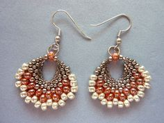 DIY Jewelry: FREE beading pattern for earrings made entirely from different size seed beads, woven into a fan shape using peyote stitch. Fabulous pattern!