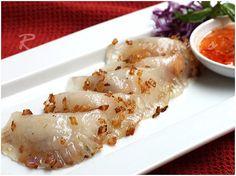 My favorite vietnamese food! banh bot loc by Ravenous Couple, via Flickr