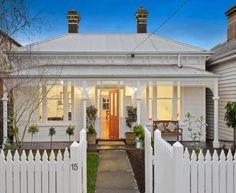 Victorian Homes Exterior, Cottage Exterior, Victorian House, Exterior House Colors, Weatherboard House, Queenslander, House Facades, Facade House, Painted Front Porches